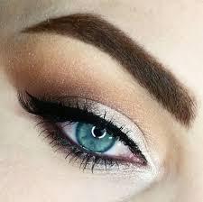 stunning smokey eye wedding makeup