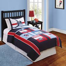 hockey game quilt with pillow sham