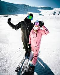 ideal gifts for skiers and snowboarders