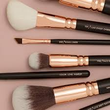 makeup brushes and sponges feelunique