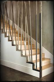 Rustic Staircase With Glass Google Search Rustikale Treppe Moderne Stiegen Moderne Treppengelander