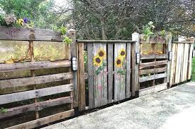 Awesome Garden Fence From Pallets And How To Make It
