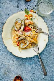 SEAFOOD PASTA WITH WHITE WINE SAUCE in ...