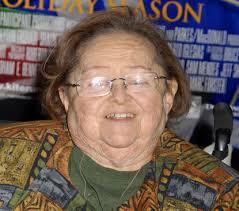 Poltergeist' scene-stealer Zelda Rubinstein dies at 76, two months after  heart attack - New York Daily News