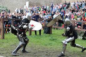 Znalezione obrazy dla zapytania: będzin zamek turniej rycerski
