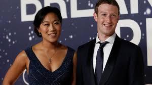 Mark Zuckerberg built Priscilla Chan a screen-free bedside alarm — Quartz