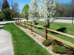 Needs More Plants But I Like The Edging Fence Landscaping Driveway Landscaping Backyard Fences