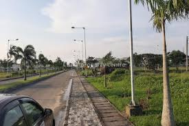 well located serviced dry plots of land