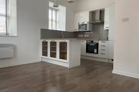 1 bed flat to in flyboat house