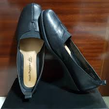 hush puppies black leather shoes women