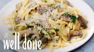 How To Make Linguine With Clam Sauce: A ...