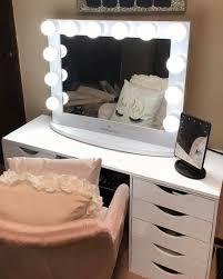 lighted hollywood makeup vanity
