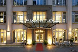 hotels to aquadom sea life berlin