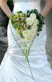مخرج متجر سعر المصنع اجمل بوكيهات الورد للعروس