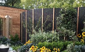 We Live In Turbulent Times Fencing V Plants As Windbreaks Gardendrum