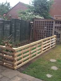 4 Amazing And Unique Tricks Can Change Your Life Live Bamboo Fence Fence Post Grass Fence Wall Play Areas Country Fen Backyard Fences Living Fence Fence Decor