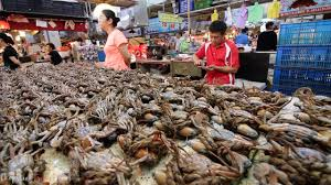 Taiwanese Seafood Tour - Rainbow Crabs ...