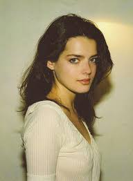 Roxane Mesquida Pictures - Tiviseries | Pretty face, Woman face, Beauty