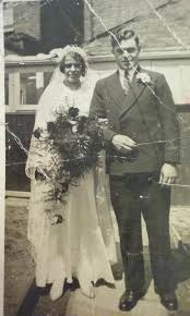 """Nick Britten on Twitter: """"My Great Aunt Hilda Reynolds with Great Uncle  Frank on their wedding day in Lewisham 17th May 1935. #familyhistory… """""""