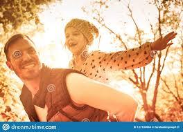 День дочери отца стоковое фото. изображение насчитывающей день - 127103664