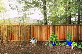 Redwood Proves To Be A Durable And Appealing Fencing Material Option