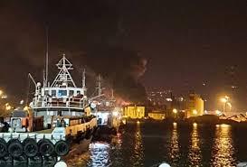 Ancona | Esplosioni a raffica, scoppia un incendio spaventoso al porto:  capannoni in fiamme