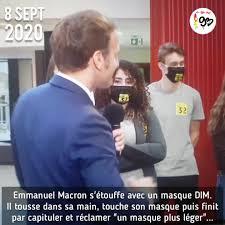 Je pense m'étouffer avec ça » : Macron incapable de faire son discours avec  le masque donné aux professeurs