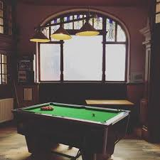 free pool monday at the castle hotel
