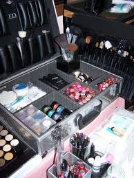 how to put together a makeup artist kit