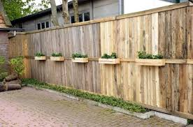37 Awesome Pallet Fence Ideas To Realize Swiftly In Your Backyard Pallet Fence Diy Wood Pallet Fence Pallet Fence