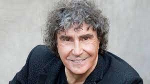 Se ne va un pezzo dei Pooh, a 72 anni muore Stefano D'Orazio - La voce del  Trentino