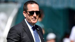 The Eagles roster dilemma facing Howie Roseman | RSN