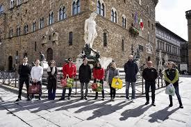 Coronavirus, Firenze: la spesa per gli anziani? La 'porta' il ...