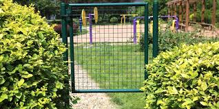 Single Garden Gate Consist Of Sturdy Welded Wire Mesh Stable Post