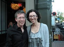 File:Kevin Greutert and Elizabeth Rowin at Comic Con 2010.jpg ...