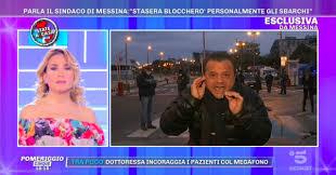 Coronavirus: l'ira di Cateno De Luca su Canale 5: «Basta sbarchi ...