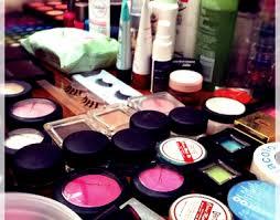 creating a makeup artist kit 9039