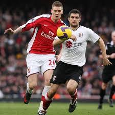Andrej Arshavin (Arsenal) Aaron Hughes (Fulham) #1423242