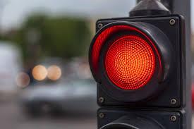 Números de avanços no sinal vermelho aumentam na capital amazonense