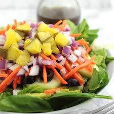 veggie delight salad with balsamic