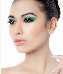 professional makeup artist course in