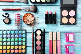 gifts perfect for the undercover makeup