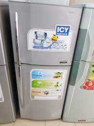 Tủ lạnh Toshiba cũ 188 lít, ngăn đá trên 2 cửa
