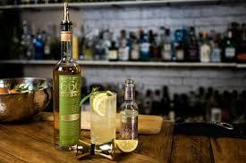 Lemon Myrtle Honey Collins Cocktail - Überbartools™