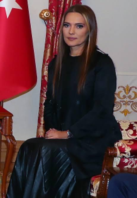 Hande Yener ve Demet Akalın büyük görev için Cumhurbaşkanı Erdoğan'ı ziyaret ettiler