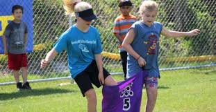 Fun and tributes at Marshall Hill field day