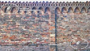 Italy Old Fence Bricks Cut Out Texture Horizontal Seamless 18106