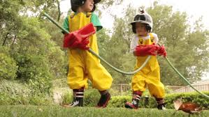 4k00 08two young boys dressed in