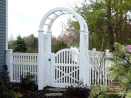 Love The Arched Gate Vinyl Fence Fence Design White Vinyl Fence