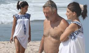 Pregnant Hilaria Baldwin, 36, and husband Alec, 62, relax on the beach in  the Hamptons | Daily Mail Online